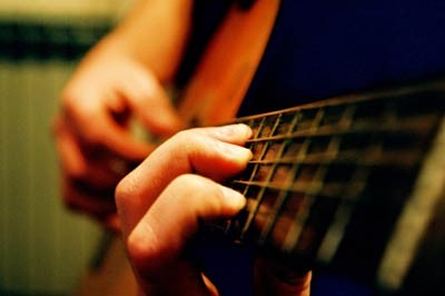 Как правильно настроить гитару новичку